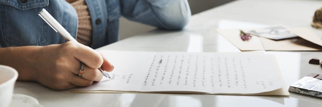 La lettre de résiliation de contrat d'assurance auto : un passage obligatoire pour informer son assureur.